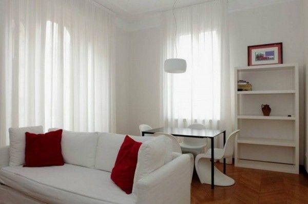 Affitto Appartamento Milano. Bilocale in via Sansovino. Ottimo stato, primo piano, terrazza, riscaldamento autonomo