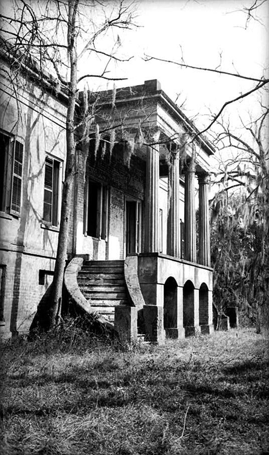 Abandoned Southern Mansion…