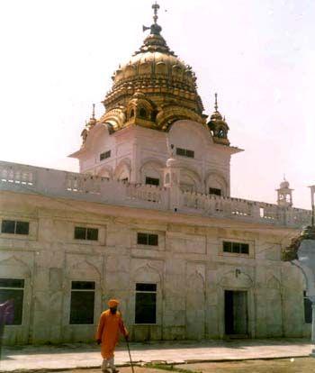Gurdaspur Excursion tour with Dera Baba Nanak +Takht-i-Akbari + Mahakaleshwar Temple Ex. Amristar /Punjab