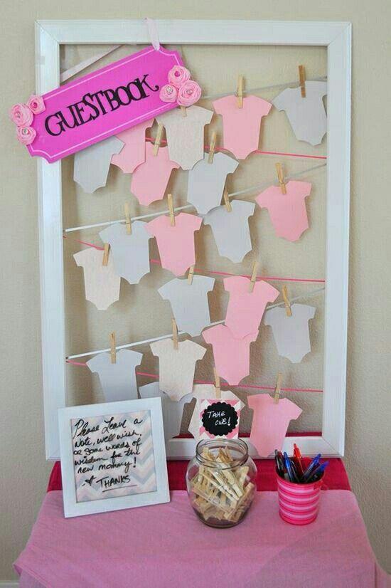 Baby clothesline guestbook. #babyshowerideas #babyshoweractivities Pinterest@Sagine_1992 Sagine☀️