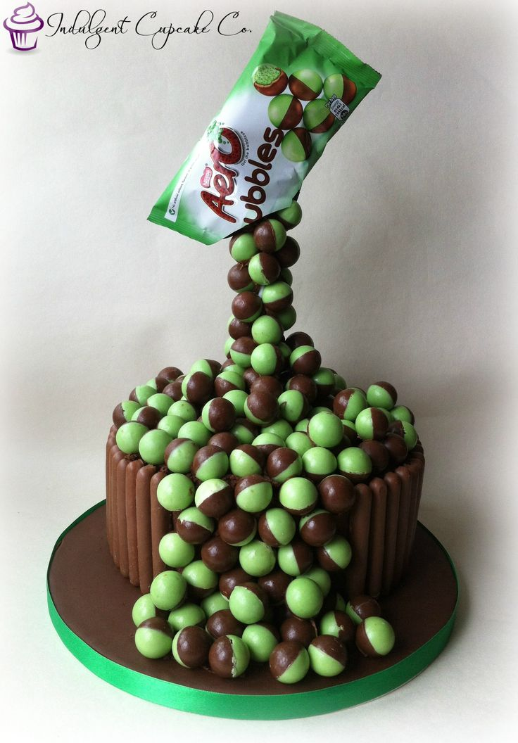 ''Mint aero bubbles'' gravity cake..........