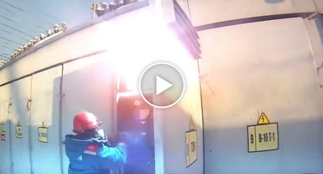 Curto-Circuito Provoca Explosão e Incêndio Em Transformador Elétrico http://www.desconcertante.com/curto-circuito-provoca-explosao-e-incendio-em-transformador-eletrico/