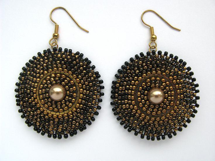 Black beaded earrings with marble Toho seed beads and Swarovski pearls.