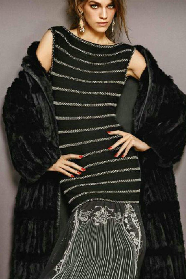 #cavalli #robertocavalli #classbycavalli #fallcollection #wintercollection #greenbird #abudhabi #abudhabistyle #abudhabifashion #dubai #dubaistyle #dubaifashion #marinamall #womenswear #casualwear #fall2013 #winter2014 #fallwinter2014 #fw2014 #printeddress #longdress #stripes #stripeddress #blackandsilver #silverornament #overcoat