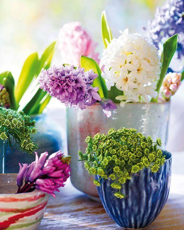 Centros primaverales para una decoración ecológica Glass Vase, Flowers, Home Decor, Twitter, Ideas, Beauty, Earth Day, Mother Earth, Naturaleza