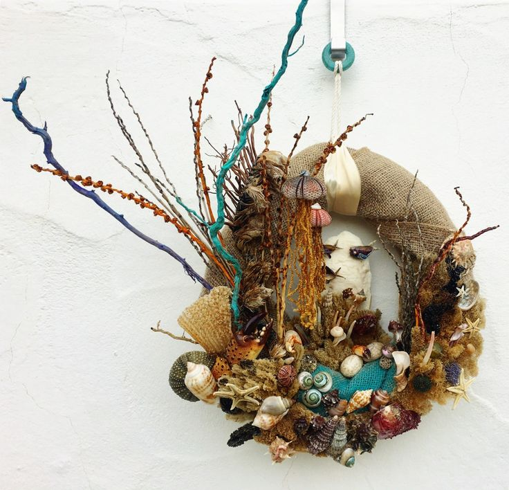 Seashells Home Decor Wreath, Burlap  Underwater World / unique wreath / seashells decor / beach wreath / burlap wreath decor / wall decor / sea treasures decor / jellyfish by AmandinesArt on Etsy