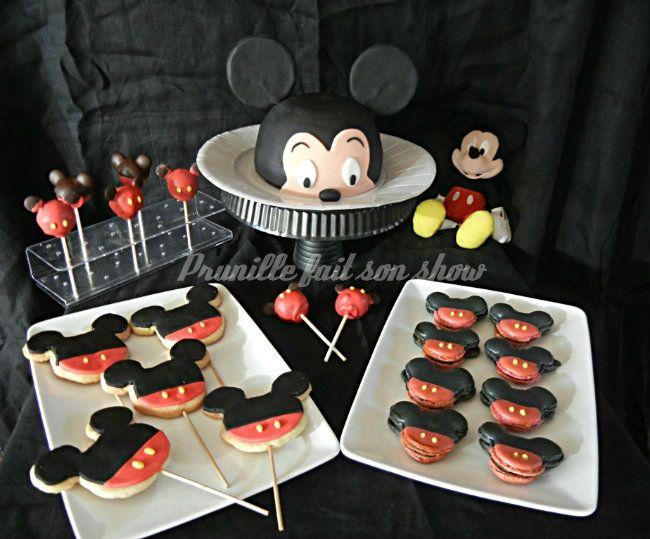 Mini sweet table Mickey ou assortiment de p�tisseries sur le th�me de Mickey Mouse...