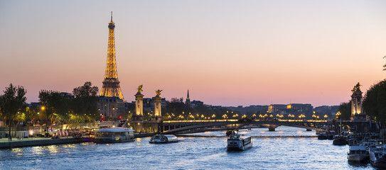 Trouvez un emploi hotesse ou job hotesse à Paris ( hotesse d'accueil ou hotesse evenementiel ) | Carrière Hôtesse