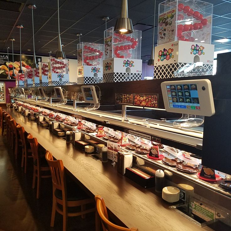Conveyor belt sushi bars have come and gone in Atlanta, but Kula Revolving Sushi Bar, which opened on Friday in Doraville, is the newest.