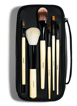 Basic Brush Collection--Bobbi Brown Cosmetics #ValentinesDay Gift Guide