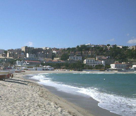 http://calabriaterradistorie.altervista.org/soverato/ Una giornata a Soverato: mare, storia, cultura e buona cucina