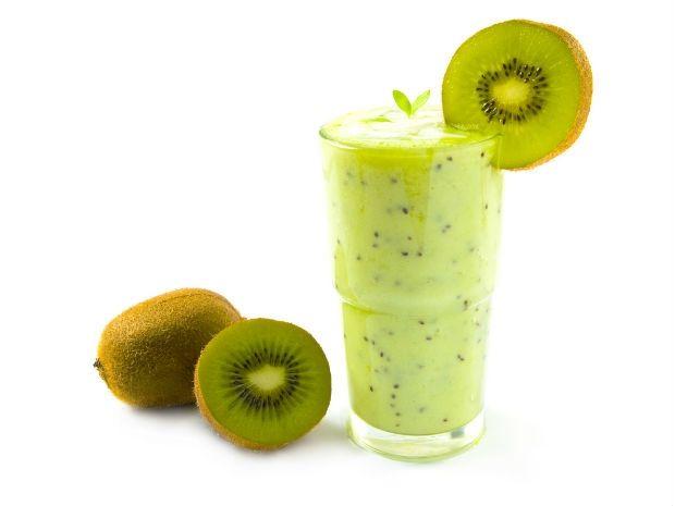 Bebida adelgazante y además saciante: Jugo de apio y kiwi   Adelgazar – Bajar de Peso