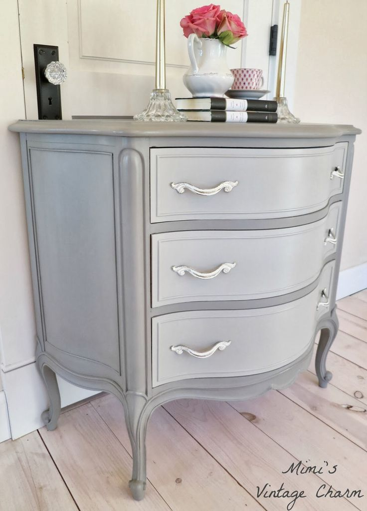 ASCP French Linen.. Drawers are a Old White/French Linen mix