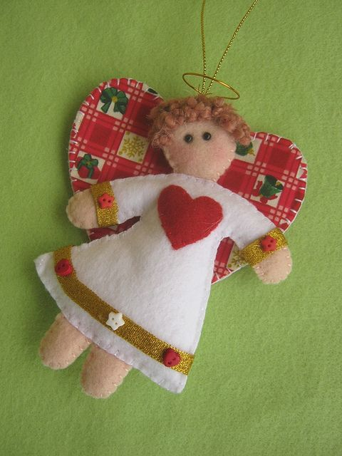 angel with heart wings    Anjinho natalino! by Arte & Mimos, via Flickr