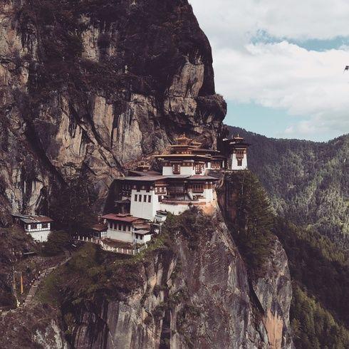 トレッキングがライフワークのひとつというスタイリストの金子夏子さん。海外ではヒマラヤ、ヨセミテに続き、ブータンへ。「いつか行って見たいと思っていた国で、トレッキングが出来ることを知って計画」したそう。山登りだけでなく、名所を回れるのも...