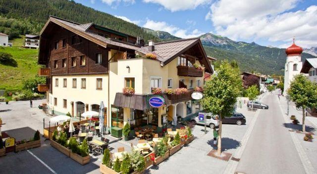 Hotel Montfort - 3 Sterne #Hotel - EUR 53 - #Hotels #Österreich #SanktAntonAmArlberg http://www.justigo.lu/hotels/austria/sankt-anton-am-arlberg/montfort_42280.html