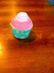 Hector's Granddaughter: Washcloth Cupcake Tutorial
