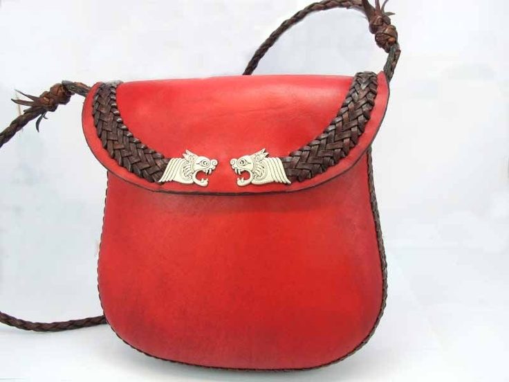 $349.00 Dragons bag. Manufactured with the finest materials, leather from beef. Leather design Handmade in Spain