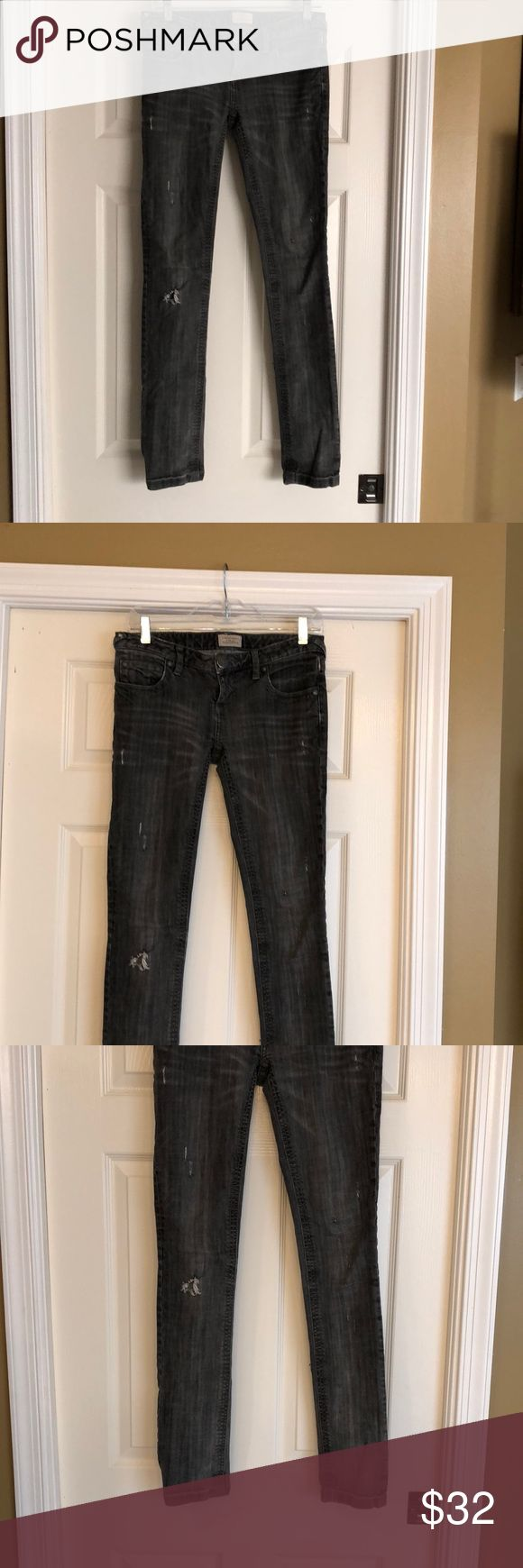 "Gray Faded & Ripped Free People Jeans Adorable faded and ripped skinny jeans in great faded and ripped condition.  Approximately 33"" inseam. Free People Jeans Skinny"