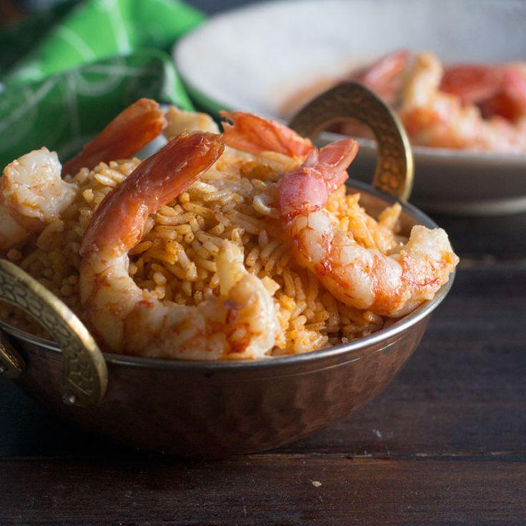Arroz basmati al curry rojo con gambas a la miel. Receta tailandesa con Thermomix La cocina tailandesa es una mezcla de sabores y olores con toque picante. Se caracteriza sobre todo por el equilibrio de sabores ácidos, salados, dulces, picantes y amargos y así podemos degustarlo en la receta de hoy, un arroz basmati al …