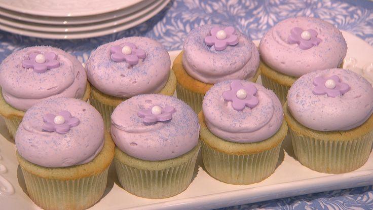Cooking with Sophie Kallinis LaMontagne - Georgetown Cupcake Lavender Earl Grey Teacake Cupcake recipe