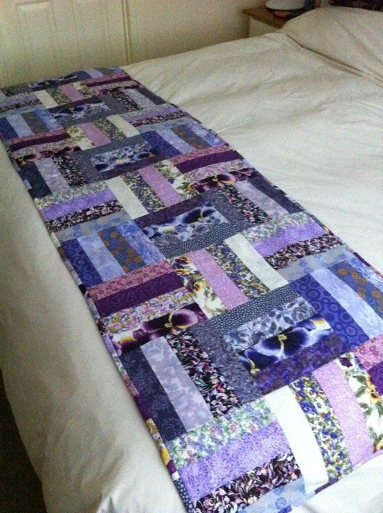 Love this pattern for a bed runner