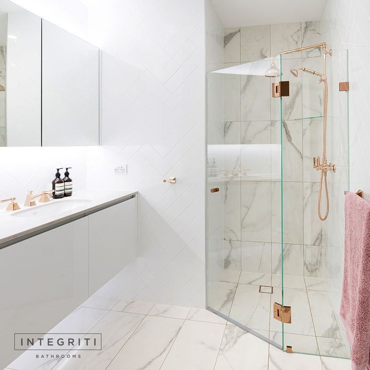 The detailing that went into this renovation turned out great and we were very happy with the final outcome. The rose gold details add an elegance and luxury to the bathroom that really elevated it to another level. Let us know if what you guys think of the final design! . #integritibathrooms #custommade #sydneybathroom #interiordesign #bathroom