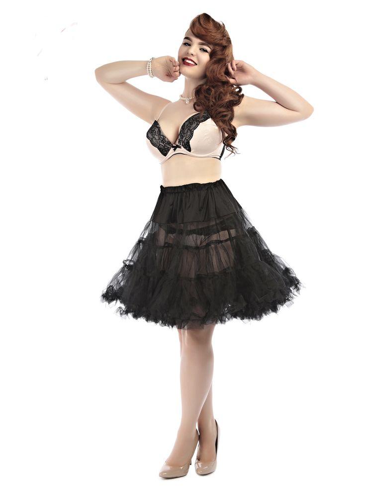 Collectif Spodnička Black Uni 36-50 Spodnička ve stylu 50. let. Krásná tylová spodnička k šatům s kolovou sukní, dokonale pozvedne výraz šatů. Bohatý objem, 2 tylové vrstvy, 100% polyester, černá barva, velikost univerzální, regulace v pase. Vhodná pro kratší i delší typ šatů, lze upravit délku z cca 67 cm na 60 cm. Velikost univerzální (36 - 50).