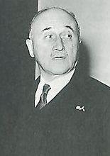 Jean monnet (1888-1979) a eu l'idée du plan shuman en persuadant robert shuman de crée la CECA ( Communauté Européenne du Charbon et de l'Acier )
