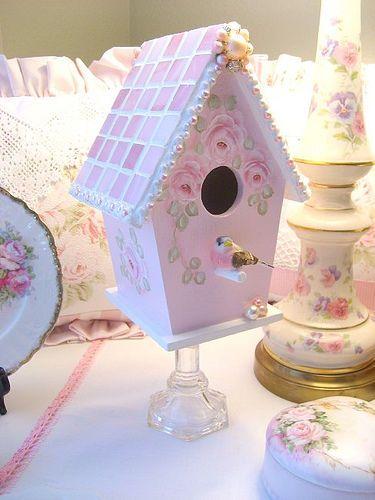 shabby chic birdhouse                                                                                                                                                      Plus