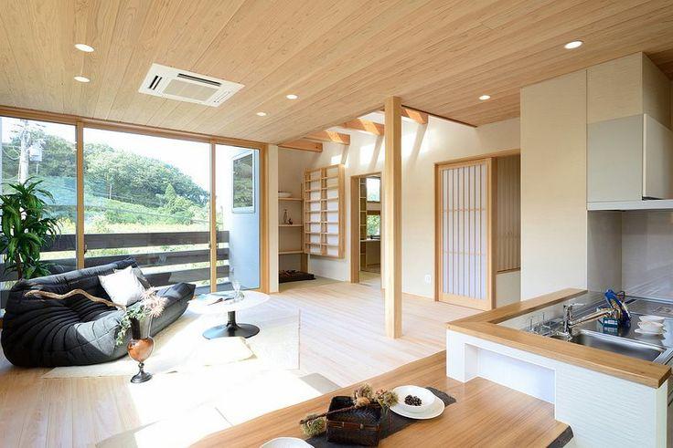 I-M house:2階リビングから、四季折々の景色を見ることができます。