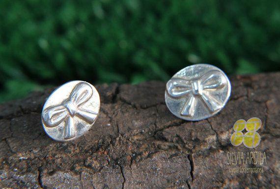 BAS05 Ribbon Silver Post Earrings.  Studs. by SilviaArdilaJoyeria, $18.50 www.silviaardila.co