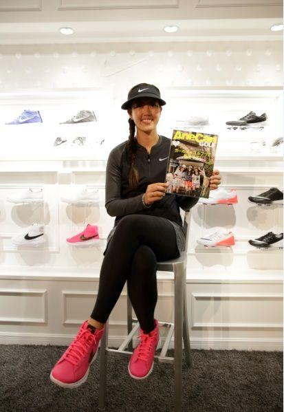 ハワイ出身の韓国系アメリカ人であり、身長185cmというモデル並みのスタイルを誇る美人プロゴルファー、ミシェル・ウィー。 2014年には悲願であったメジャータイトルを獲得し、名実ともに超ビッグネームとなった彼女。そんな彼女が契約するNIKEが期間限定「NIKE GOLF TOKYO」を表参道にオープ...