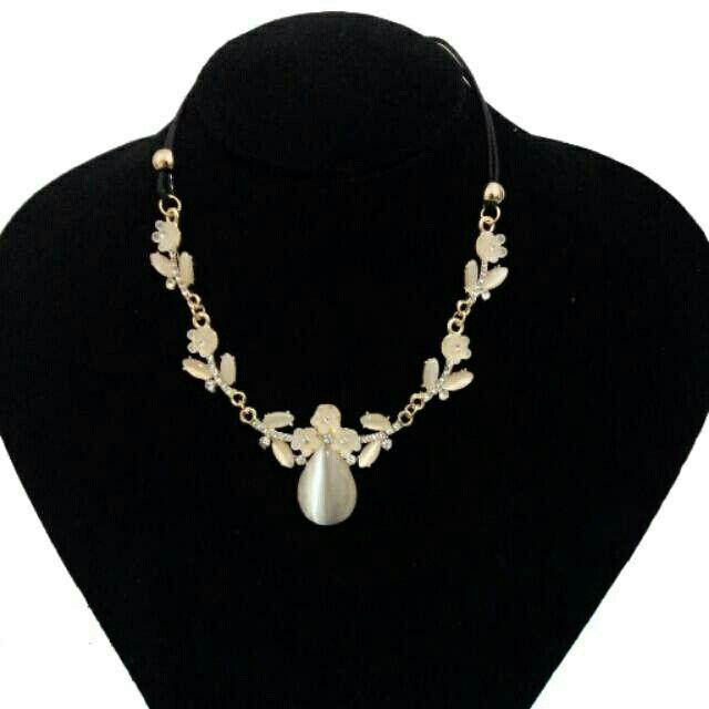 Saya menjual Tyra Chrystal Necklace seharga Rp87.000. Dapatkan produk ini hanya di Shopee! http://shopee.co.id/deventostore/2405286 #ShopeeID