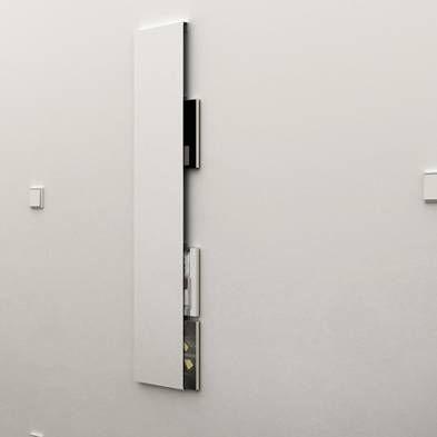 Idéal pour un wc très petit. http://boutique.designnoma.fr/porte-revues-mural-01
