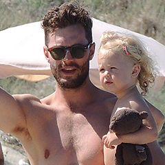 I'm mmmmelllltiiiiing..... ::Jamie Dornan and his adorable daughter