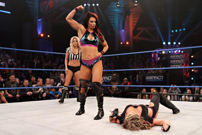 ¡Escándalo! Filtran imágenes íntimas de excampeona de la WWE (+fotos)