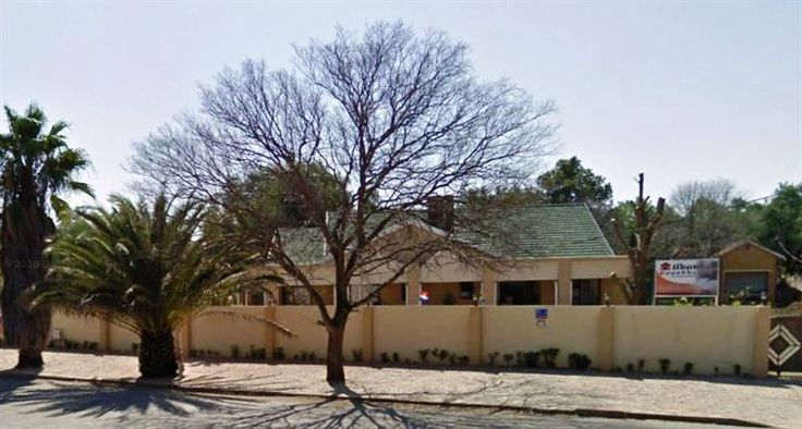 Ubuntu Guest House - Ubuntu Guest House is conveniently situated in the tranquil suburb of Ernestville.  This is a quiet and gentle place to ease the mind with beautiful trees surrounding the area and a view of De Beers Farm. ... #weekendgetaways #kimberley #diamondfields #southafrica