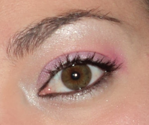 maquillaje rosado, muy sutil
