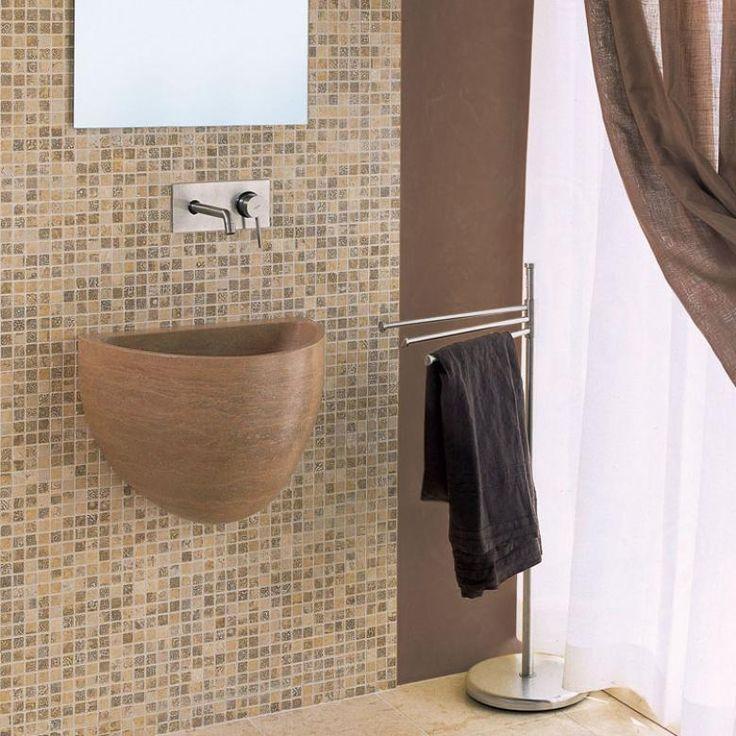 Мозаика в ванной комнате практична и элегантна.  Она существенно меняет вид этого неказистого помещения, реально улучшая его и облагораживая дизайн. Кроме этого, мозаика богата всеми теми качествами, которые есть у керамической плитки, вот только потенциал у первой существенно выше. Ведь используя в ванной мозаику, вы можете как просто освежить старый декор, так и создать настоящие шедевральные интерьеры. #новинка #мебель #сантехника #ванна http://santehnika-tut.ru/mozaika/naturalnyj-kamen/