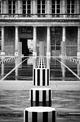 Columns by Daniel Buren, Palais Royal, Paris Ist arrondissement  Les colonnes de Buren  Palais Royal Paris.