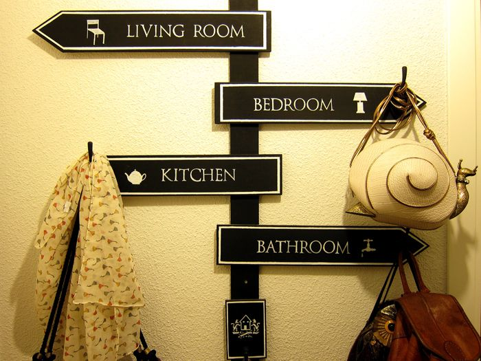 perchero-señal en casa #tutorial http://homesapiens.es/2012/12/making-of-un-perchero-al-estilo-londinense/