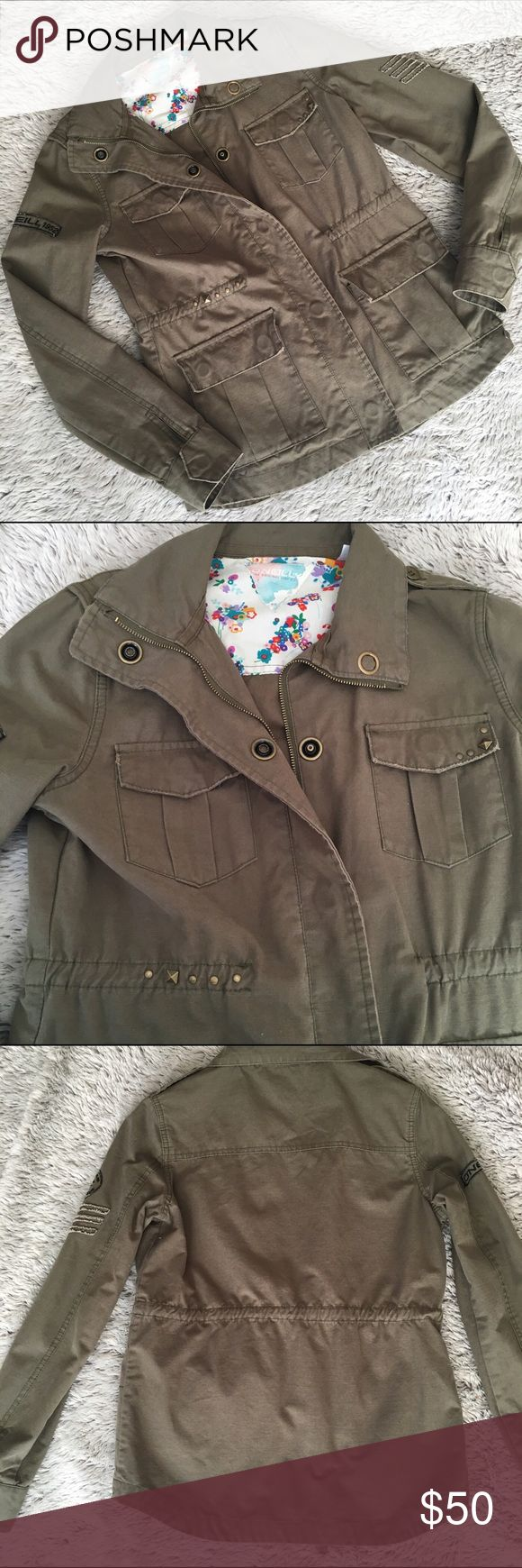 Army Green O'Neill Utility Jacket Worn once. Army green O'Neill's utility jacket. Has a zip and snap button closure.  4 snap button pockets and snaps buttons at the wrists.     Tiny studs on left breast pocket and right side waist line.  Interior drawstring at waist.  Hits at low hip. Like new condition!! O'Neill Jackets & Coats Utility Jackets