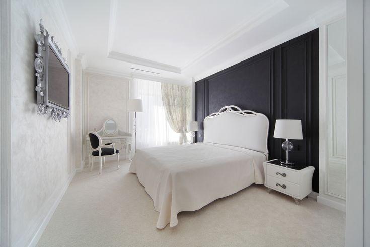 Изысканная спальня в черно-белых тонах