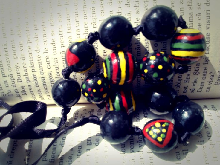 coloured lines (clay beads)