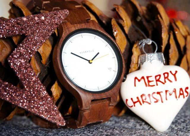 Der ganz große Trend zu Weihnachten sind Holzuhren! Sie sind nicht nur ökologisch sondern auch auffällig. Das gilt speziell für die Kerbholz Lamprecht. Diese Armbanduhr aus Walnussholz ist exklusiv bei uns im Shop erhältlich: https://www.uhrcenter.de/uhren/kerbholz/uhren/kerbholz-lamprecht-walnuss-uhr-sonderedition/ #Kerbholz #Lamprecht #Holzuhr #exklusiv #Tipoftheday #Fashion #trend #style #ökologisch #Unikat #xmas #watch #Weihnachtsgeschenk #Armbanduhr #uhrcenter