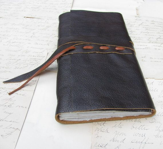 Rustic Brown Leather Journal with Woven Ties door vickisheehan