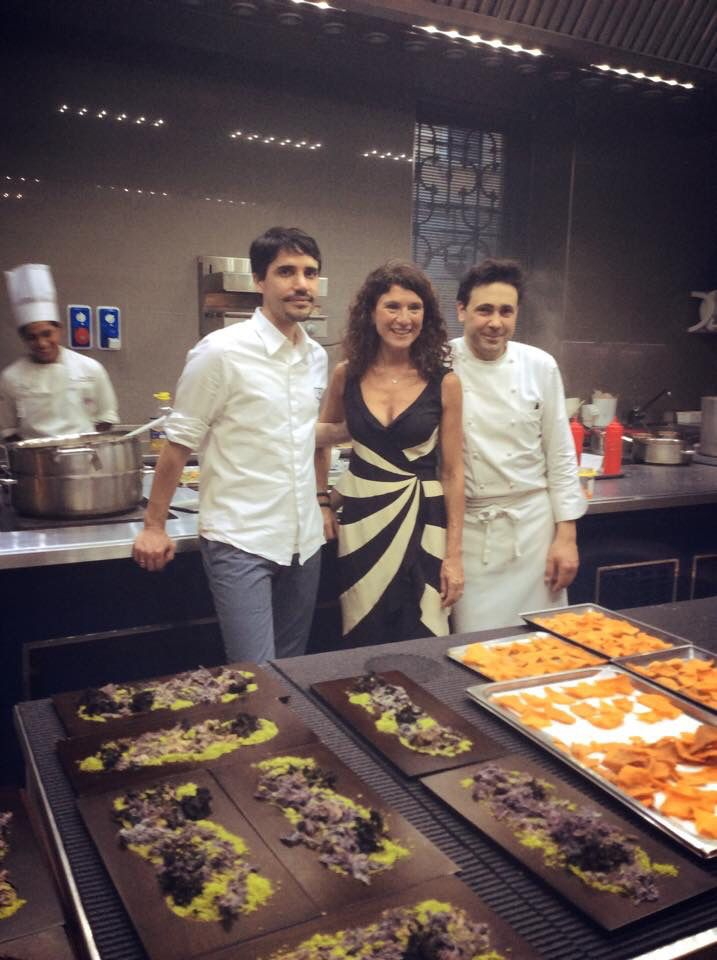 Our Gaetana Jacono with chefs Virgilio Martinez and Daniel Canzian. Their four hands menú with our wines!
