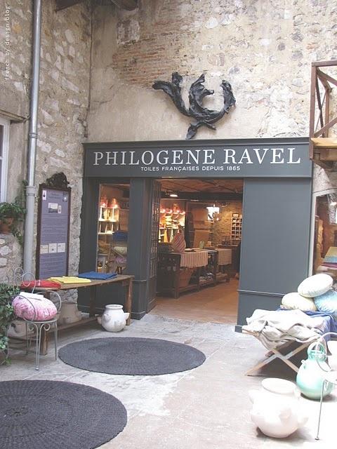 shop.fachada de tienda en un castillo.AF
