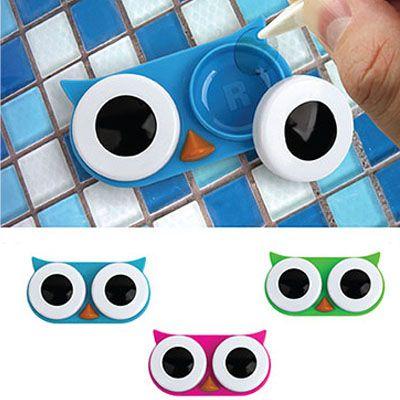 Esta lechuza se va a encargar de proteger tus lentes de contacto durante la noche o mientras los transportas en la cartera, además de ofrecerte una alternativa con mas onda a los tradicionales estuches de lentes de contacto! Colores sujetos a disponibilidad de stock.